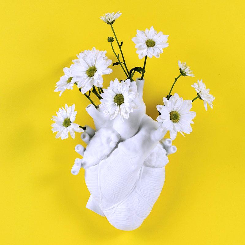 Vase Love in Bloom